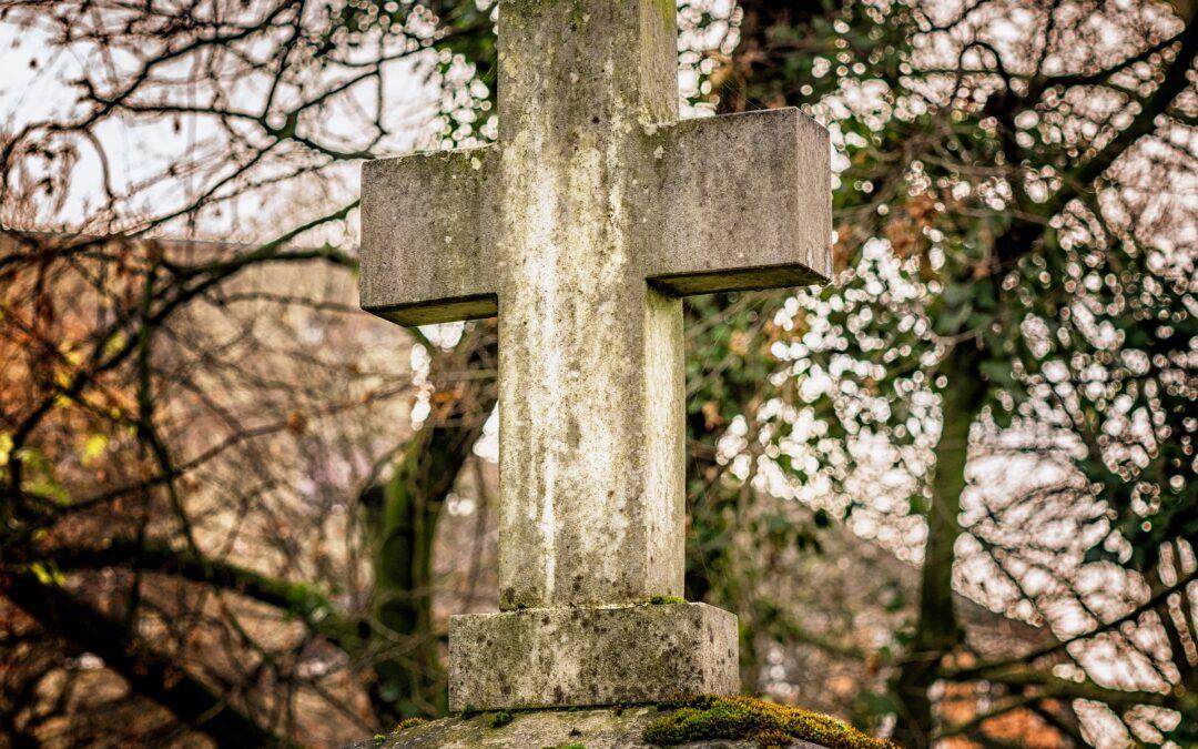 Jak zadbać o grób?