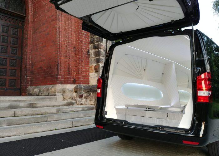 samochód pogrzebowy
